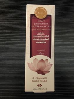 DERMA•E ESSENTIALS: Tinted Moisturizing BB cream SPF 30  1